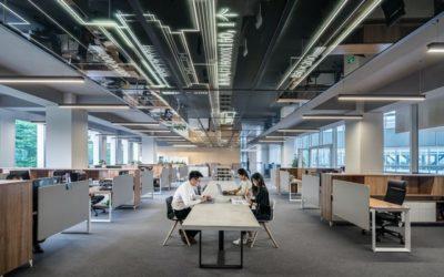 Biuro wirtualne versus biurko w biurze